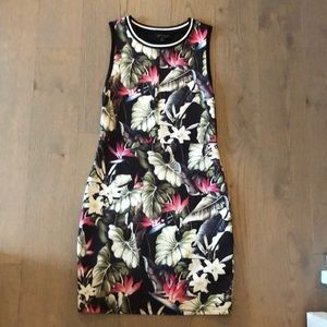 TOP SHOP FORM FITTING FLORAL DRESS